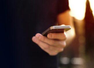 Dlaczego warto zamówić elastyczny case na telefon