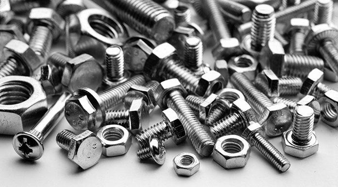 Śruby sześciokątne z niepełnym gwintem - poznaj charakterystykę tych elementów złącznych